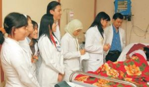 kegiatan_bed-side-teaching-di-rshs